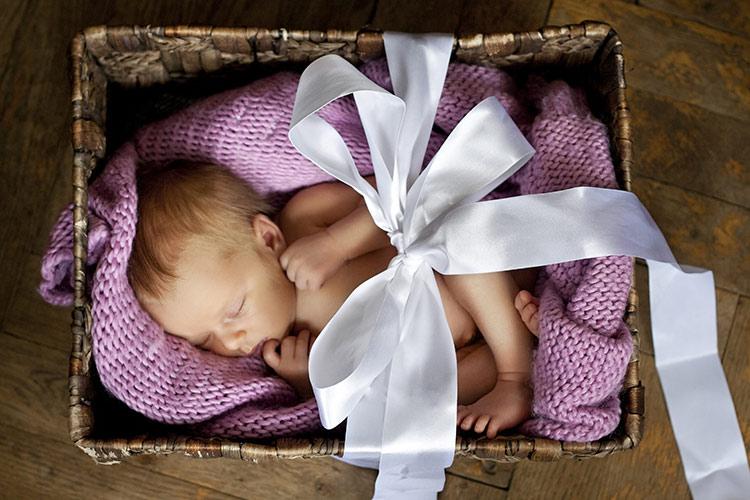 Miminko v ozdobné krabici | Foto: Shutterstock