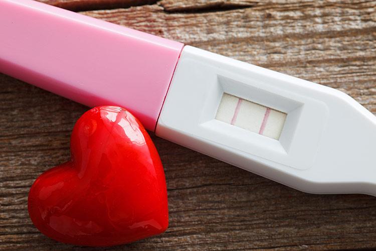 Pozitivní těhotenský test | Foto: Shutterstock