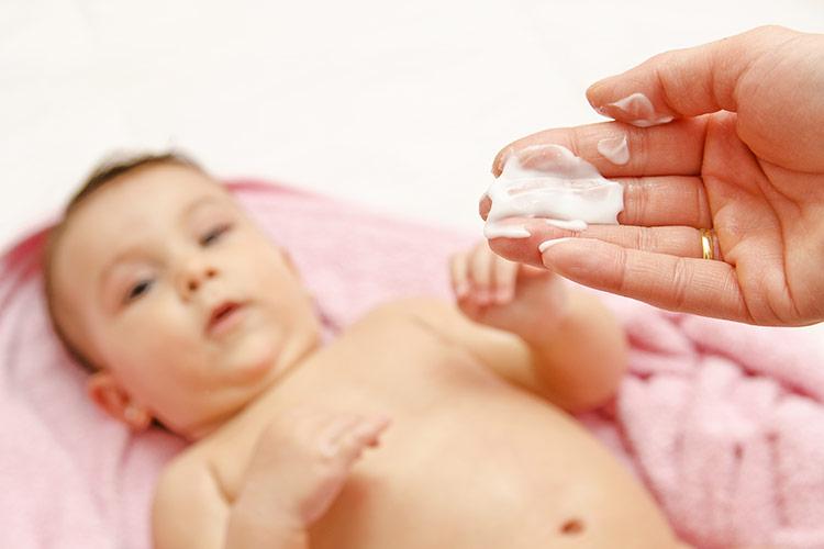 Péče o pokožku miminka | Foto: Shutterstock