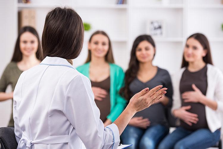 Porodní kurz pro ženy | Foto: Shutterstock