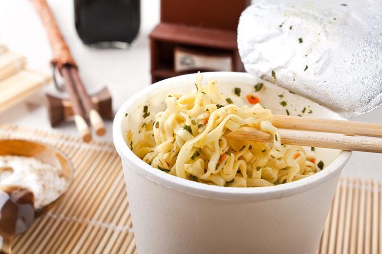 Nezdravé instantní jídlo | Foto: Shutterstock