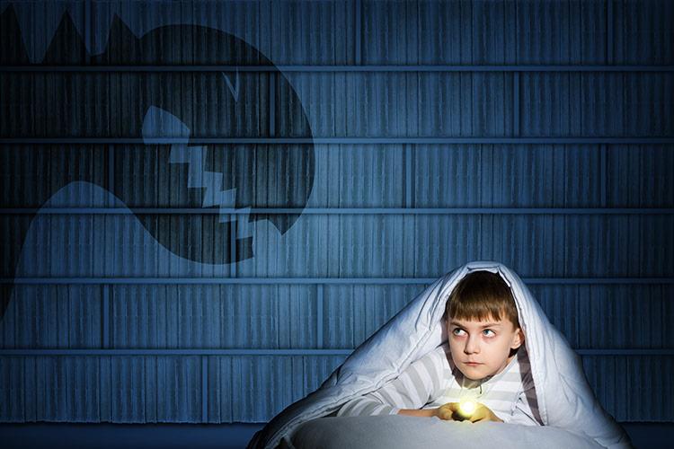Dítě se bojí tmy a nechce spát | Foto: Shutterstock