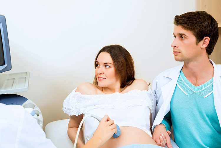 Otec dítěte podporou při těhotenství | Foto: Shutterstock